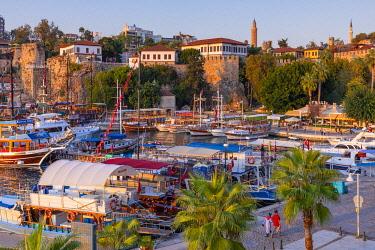 TK09452 Yivli Minaret Mosque, Tekeli Mehmet Pasha Mosque, Clock Tower and Antalya Harbour, Antalya, Turkey