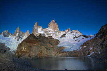 ARG3136AW Laguna de los Tres and Fitz Roy before sunrise, Los Glaciares National Park, El Chalten, Santa Cruz Province, Argentina
