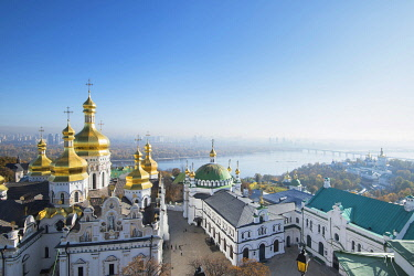 UA01119 Ukraine, Kyiv, Pechersk Lavra, Monastery of the Caves, Orthodox Christian Monastery, UNESCO World Heritage Site, Gold Domes Of The Cathedral of the Dormition, Refectory Church Of Saint Anthony and The...