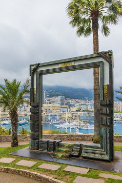 FRA11732AW Peace frame overlooking Monaco harbour by Nall, Principality of Monaco, Monaco, Cote D'Azur, French Riviera, France