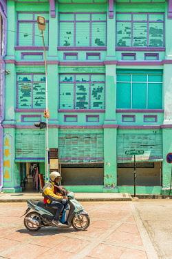 MAY0345AW Street scene in Georgetown, Penang Island, Malaysia