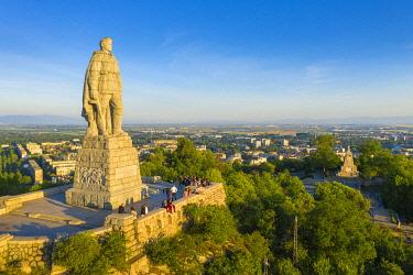 BUL0444 Europe, Bulgaria, Plovdiv, statue of Alyosha. a Soviet soldier on Bunarjik Hill