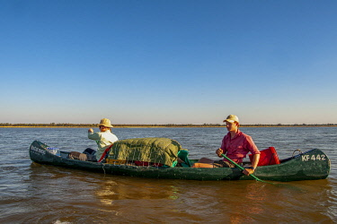 ZIM2856 Mana Pools, Zimbabwe, Africa.  A canoeing safari on the Lower Zambesi River (MR)