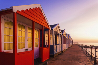 TPX71941 England, Suffolk, Southwold, Colourful Beach Huts