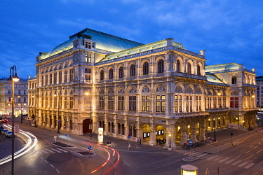 IBXDWH05048891 State Opera, night shot, Vienna, Austria, Europe