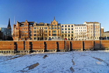 IBLCOF01445824 Historic houses at the Zippelhaus and Zollkanal Canal in the historic centry of Hamburg in winter, Germany, Europe