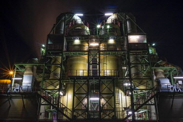 IBLGSA04227135 Industrial plant, copper production, Aurubis AG, lit up at night, Hamburg, Germany, Europe
