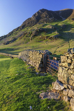 IBXNDK03750124 Old dry stone wall, Lake District National Park, Cumbria, England, United Kingdom, Europe