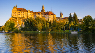 IBXWGA04241725 Sigmaringen Castle, Hohenzollern Castle, on the Danube, Sigmaringen, Swabian Jura, Baden-Wurttemberg, Germany, Europe