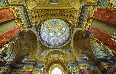 IBLRFI05046846 Dome, St.-Stephans-Basilica, Szent Istv�n-bazilika, interior view, Budapest, Hungary, Europe