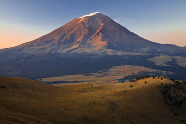 IBLMFD03612957 Volcano Popocatepetl, IztaccÌhuatl PopocatÈpetl National Park, Puebla, Mexico, Central America