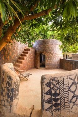 HMS3238634 Burkina Faso, Centre-Sud region, Nahouri province, Tiebele, Kunkolo camp-inn with typical Kassena architecture