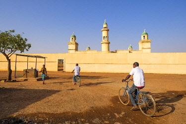 HMS3252026 Burkina Faso, Boulkiemdé province, Koudougou, mosque in the southern district