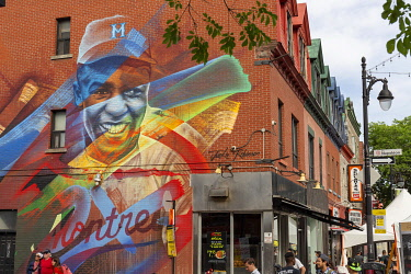 HMS3373350 Canada, Province of Quebec, Montreal, Plateau-Mont-Royal, Boulevard Saint-Laurent, Wall mural Jackie Robinson (2017) by Fluke, produced by A'Shop