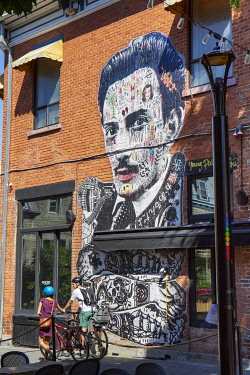 HMS3373367 Canada, Province of Quebec, Montreal, Plateau-Mont-Royal, Prince Arthur Street, Young Dalí artwork by artist Stikki Peaches (2018)