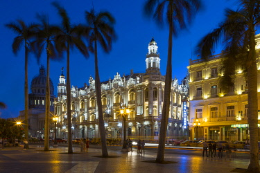 HMS3320526 Cuba, Havana, district of Habana Vieja classified World Heritage by UNESCO, the Paseo de Marti or Prado, avenue lined with elegant mansions connecting the Malecon to the Capitol, the Parque Central, t...