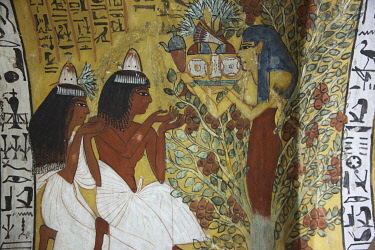 HMS3640648 Egypt, Upper Egypt, Nile Valley, Valley of Craftsmen, turbaned temple guard and djellaba in the tomb adorned with polychrome paintings by the chief craftsmen Sen Negem