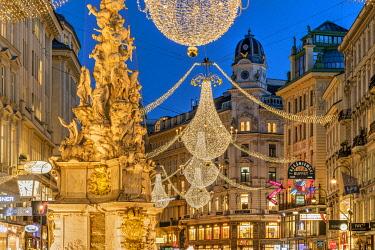 AUT1000AWRF Christmas lights, Graben pedestrian street, Vienna, Austria