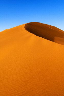 NAM6684AWRF Sand dune, Namib-Naukluft National Park, Sesriem, Namibia