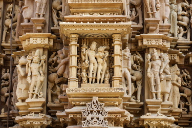 HMS3327227 India, Madhya Pradesh, Khajuraho, monuments listed as World Heritage by UNESCO, Jagadamba temple sculpture