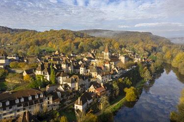 FRA11786AW France, Midi-Pyrenees, Lot, Carennac, labelled Les Plus Beaux Villages de France (The Most beautiful Villages of France), aerial view of village and Dordogne river in the autumn