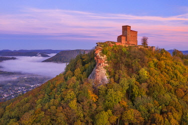 GER11993AW Aerial view at Trifels castle, Annweiler, Palatinate forest, Wasgau, Rhineland-Palatinate, Germany