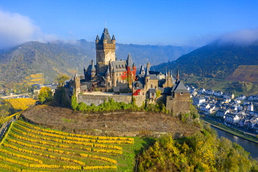 GER12016AW Aerial view on Cochem castle, Cochem, Mosel valley, Rhineland-Palatinate, Germany