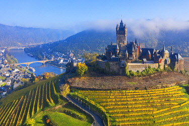 GER12017AW Aerial view on Cochem castle, Cochem, Mosel valley, Rhineland-Palatinate, Germany
