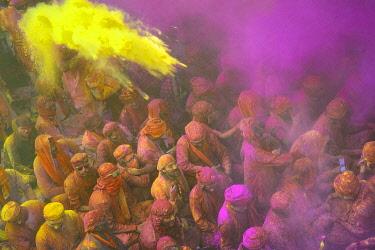 HMS3530276 India, Uttar Pradesh, Holi festival, Colour and spring festival celebrating the love between Krishna and Radha.