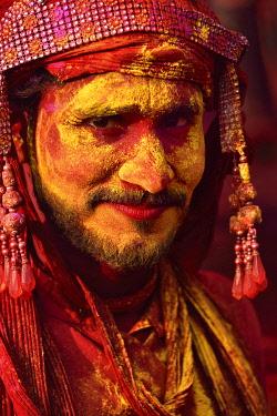 HMS3530287 India, Uttar Pradesh, Holi festival, Colour and spring festival celebrating the love between Krishna and Radha.