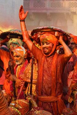 HMS3530294 India, Uttar Pradesh, Holi festival, Colour and spring festival celebrating the love between Krishna and Radha.