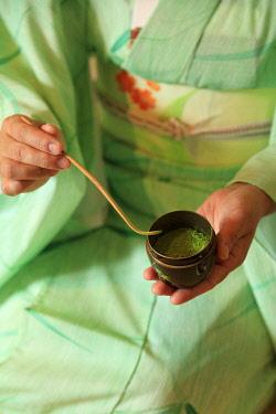 HMS3381628 Japan, Honshu Island, Kansai Region, Kyoto, Higashiyama District, matcha green tea ceremony
