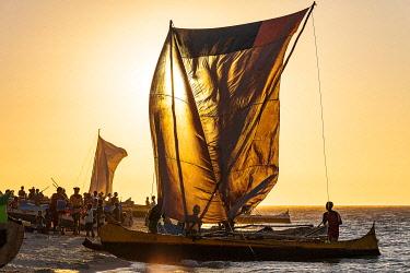 HMS3227173 Madagascar, Menabe region, Morondava, fisherman's canoe