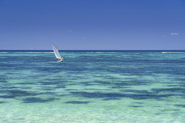 HMS3384908 Mauritius, Flacq district, Poste Lafayette, the lagoon