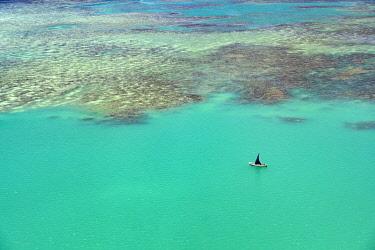 HMS3384914 Mauritius, Riviere du Rempart disctrict, Grand Gaube, floatplane flight on the lagoon