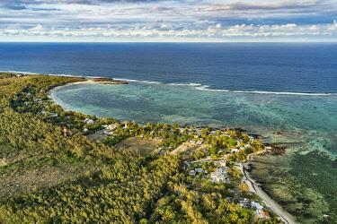 HMS3384965 Mauritius, Flacq district, Poste de Flacq, Poste Lafayette (aerial view)