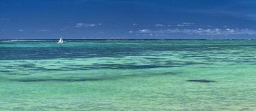 HMS3384977 Mauritius, Flacq district, Poste Lafayette, the lagoon