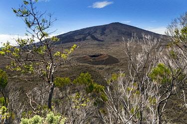 HMS3202158 France, Reunion island, Reunion National Park listed as World Heritage by UNESCO, Piton de la Fournaise volcano, Dolomieu crater
