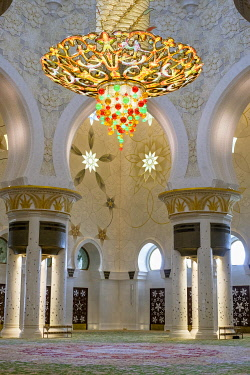HMS3276282 United Arab Emirates, Abu Dhabi, Sheikh Zayed Great Mosque, from the name of the first president of UAE, Sheikh Zayed ben Sultan Al Nahyane, it may be visited by more than 40 000 people