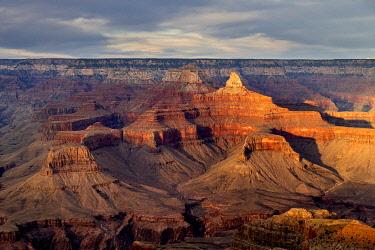 USA15025AWRF Grand Canyon at sunset, Yavapai Point, Grand Canyon National Park, Arizona, USA
