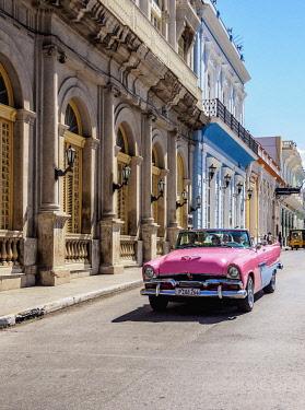 CUB1849AW Vintage car at Libertad Square, Matanzas, Matanzas Province, Cuba