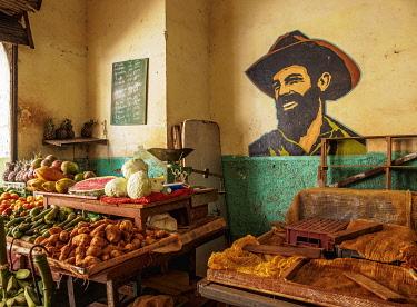 CUB2088AW Fruit and Vegetable Market at La Habana Vieja, Havana, La Habana Province, Cuba