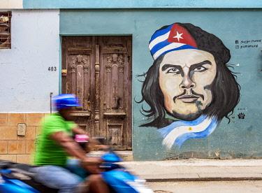 CUB2268AW Che Guevara Mural Painting, Centro Habana, Havana, La Habana Province, Cuba