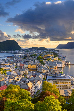 NOR1120AWRF Alesund, More og Romsdal, Norway. Cityscape at sunset.