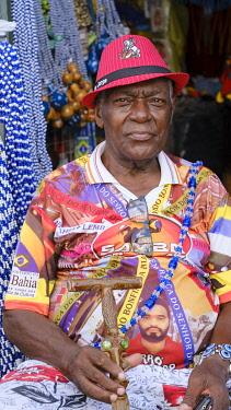 BRA3773AW Americas, South America, Brazil, Bahia, Salvador, Mardi Gras carnival in Salvador, local man at the Filhos de Gandhy parade in the Pelourinho