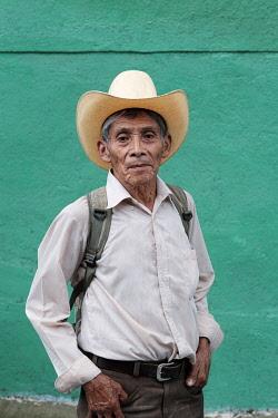 ELS0013AW Americas, Central America, El Salvador, a local old man wearing a cowboy hat