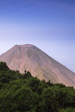 ELS0043AW Americas, Central America, El Salvador, Cerro Verde national park, the cone of the Izalco volcano