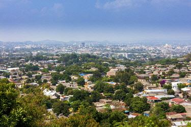 ELS0047AW Americas, Central America, El Salvador, San Salvador, elevated skyline view of the city of San Salvador