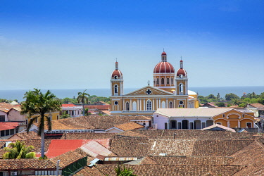 NIC0293AW Americas, Central America, Nicaragua, Granada, view of the skyline showing Spanish-colonial terracotta-roofed buildings and the neoclassical cathedral