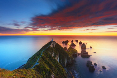 NZ9868AW Elevated view of Nugget Point lighthouse in the Catlins national park, Otago, South Island, New Zealand
